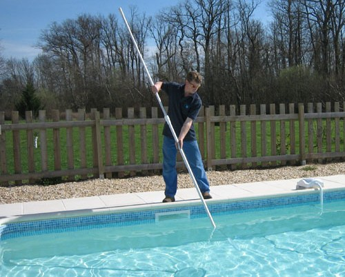 outer banks pool cleaners